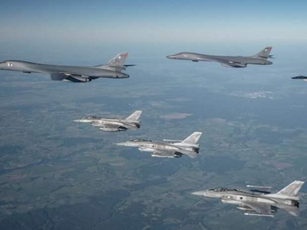 Стратегическая авиация НАТО над Черным морем. Источник изображения: