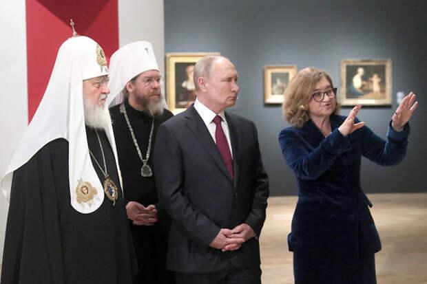 Путину в Третьяковке рассказали, как Запад грабил Византию
