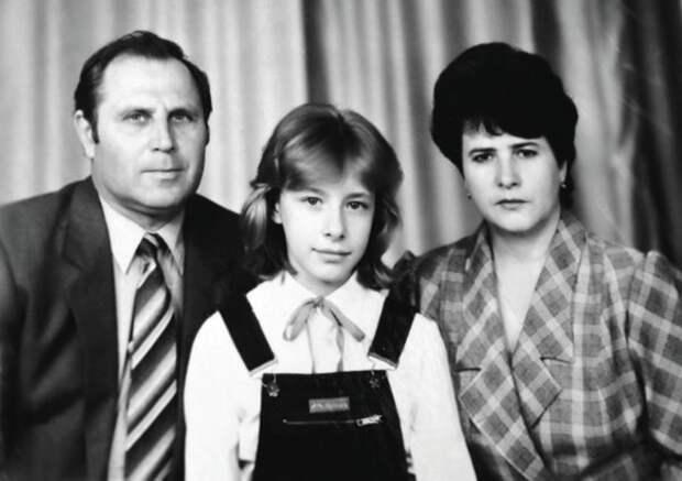 Елена Кравец с родителями