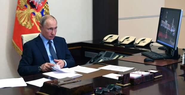 Врачам будут платить надбавки за работу с коронавирусными пациентами в июле и августе, распорядился Путин