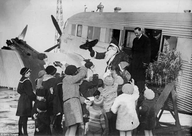 Ностальгические чёрно-белые фотографии Рождества 1920 – 1950 годов