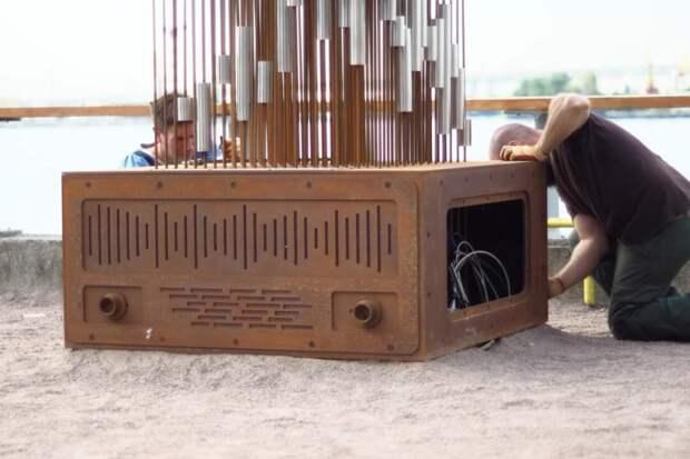 В Санкт-Петербурге появилась скульптура, делающая музыку из ветра в реальном времени!
