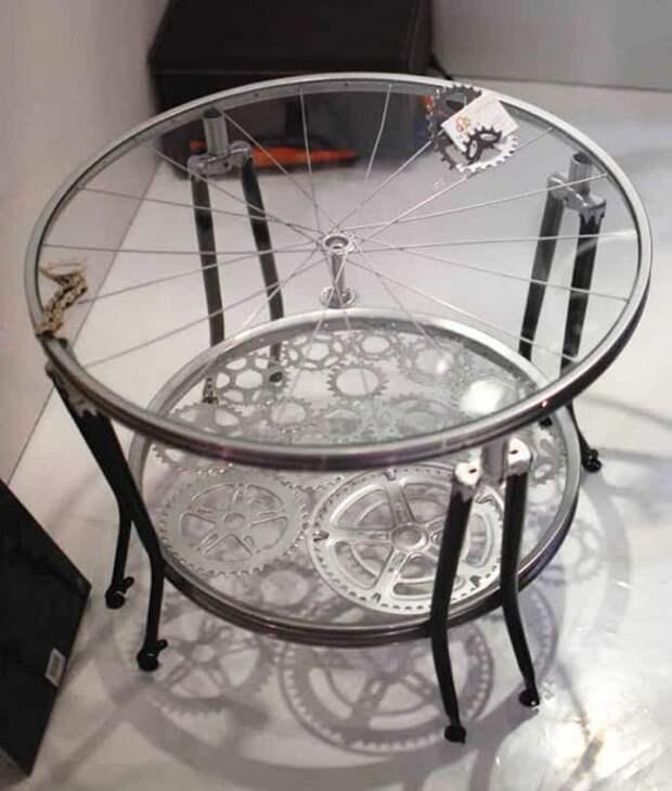 Столик из велосипеда