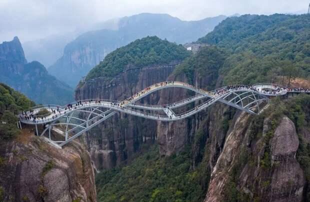 Видео: Невероятный двухъярусный мост «Жуйи» в провинции Чжэцзян