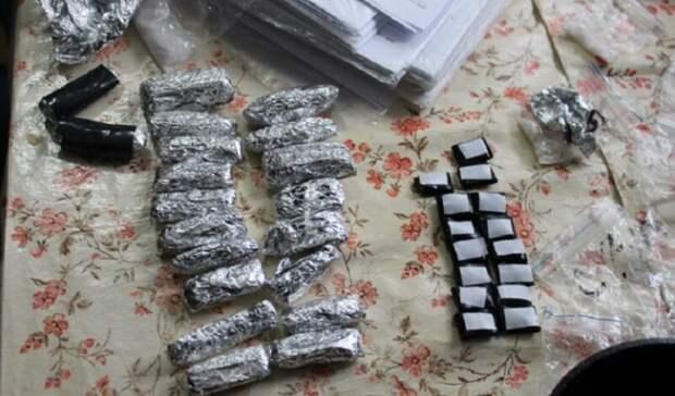 """В Оренбуржье перед судом предстанет банда, у которой изъяли 24 кг """"синтетики"""""""