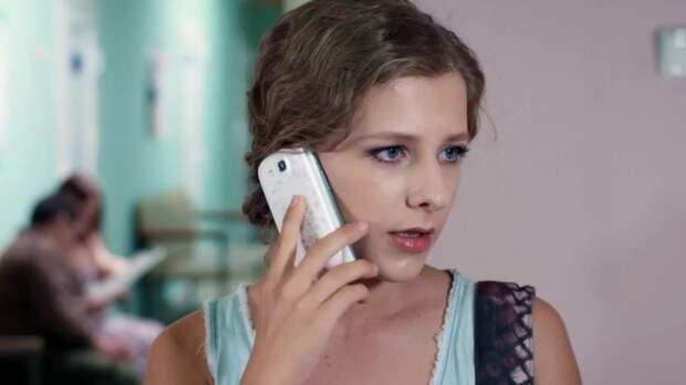 Актриса Елизавета Арзамасова дала девушкам ценный совет о красоте