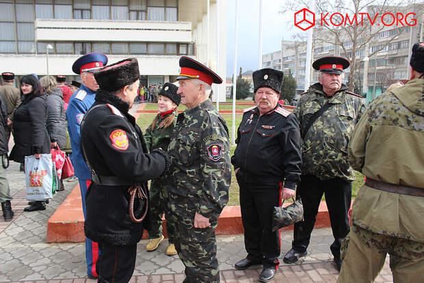 Казаки Крымского казачьего войска «Союза казаков России» из Феодосии