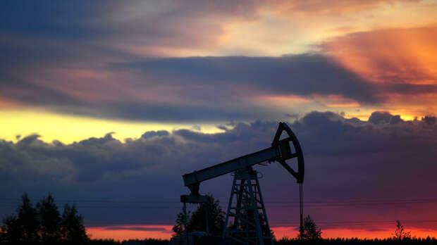 Цена нефти марки WTI опустилась ниже 35 долларов за баррель