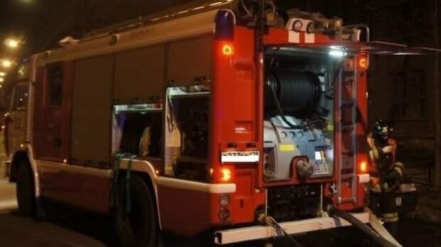 Пожарные ликвидировали открытое горение пилорамы в Екатеринбурге