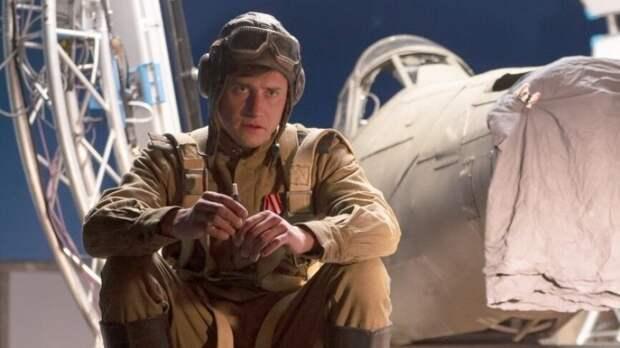 Фильм «Девятаев» за первые выходные посмотрели почти 400 тысяч зрителей