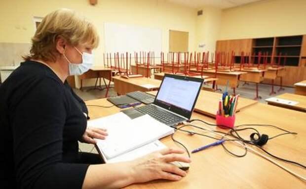 «Дичайшая бюрократическая загруженность преподавателей, странные требования и неадекватное количество ревизий»