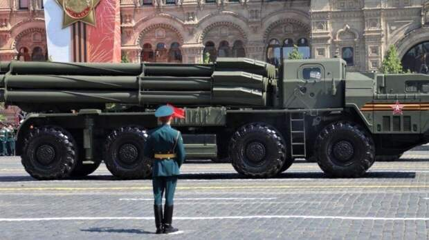 Онищенко дал оценку мерам защиты от коронавируса на параде Победы в Москве