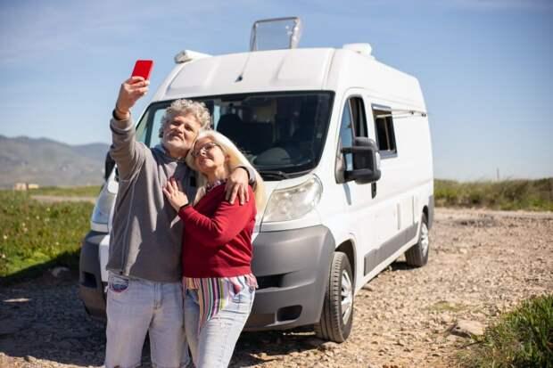 Советы по безопасному вождению для пожилых людей