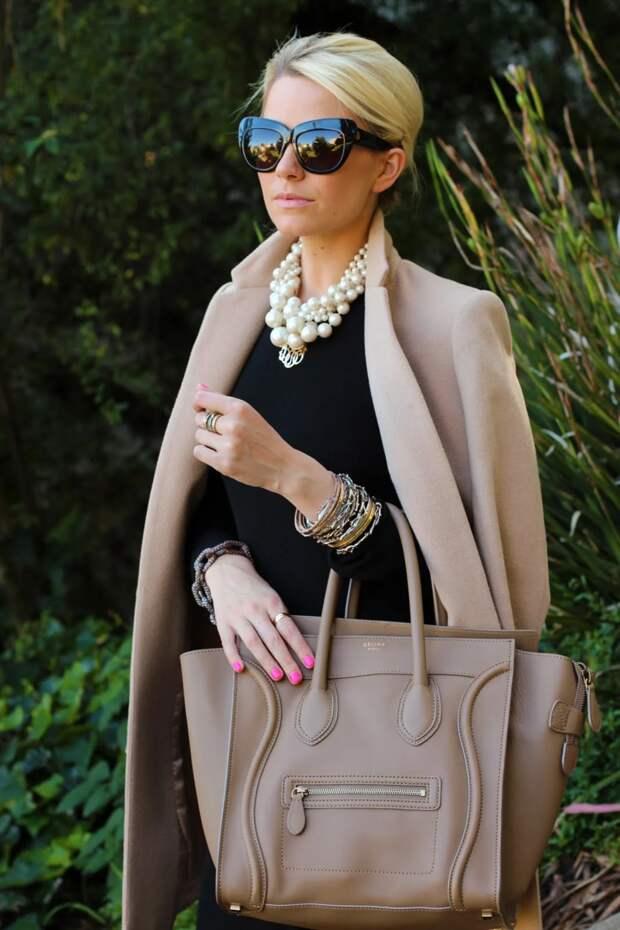 Дама в брюках: 5 элегантных образов для женщин старше 40