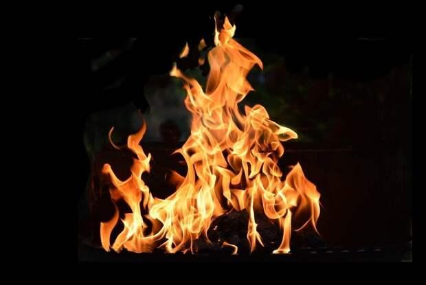 Сотрудник колонии в Удмуртии спас женщину из горящего дома