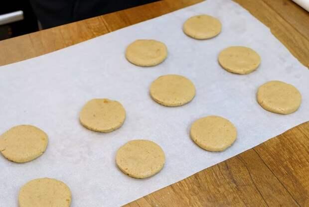 Овсяное печенье хрустящее с трещинками Печенье, Видео, Длиннопост, Овсяное печенье, Видео рецепт, Рецепт, Выпечка, Кулинария