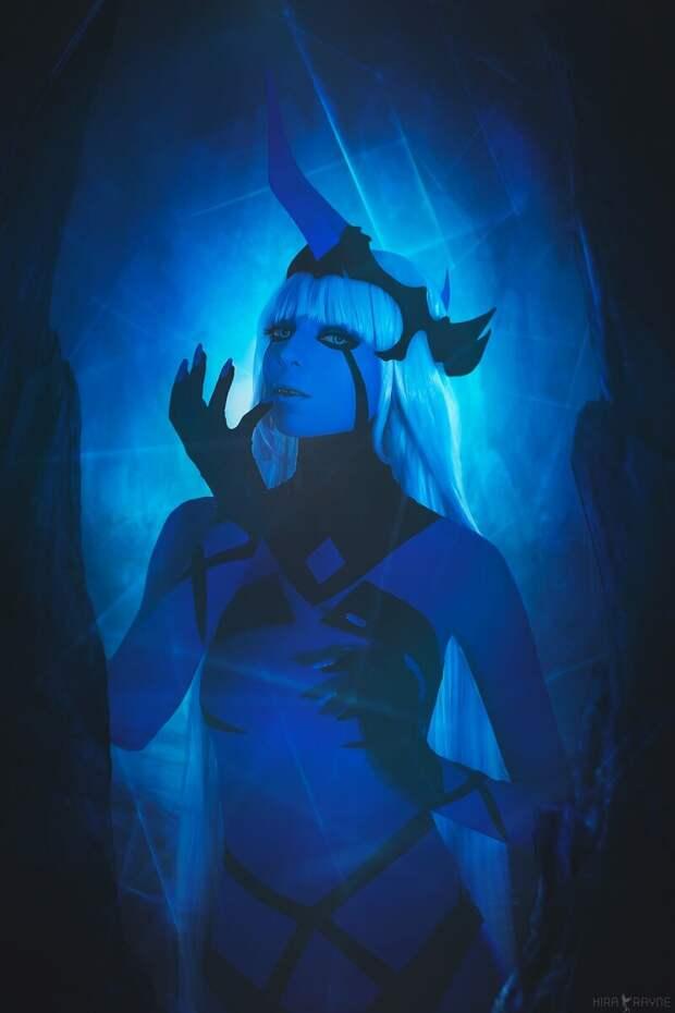 Фэндом: Darling in the FranXX, косплеер: Lizhen Blue, фото: Kira Rayne