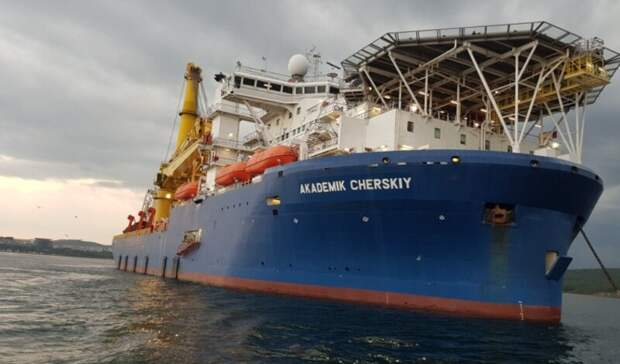 Вашингтон хочет ввести санкции против четырех судов, строящих «Северный поток-2»
