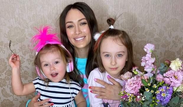 «Неудачно пожарили зефирки»: дочь Алены Ашмариной получила ожоги лица