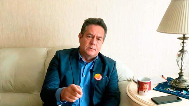 Платошкин олицетворяет собой главный и обнаженный нерв России