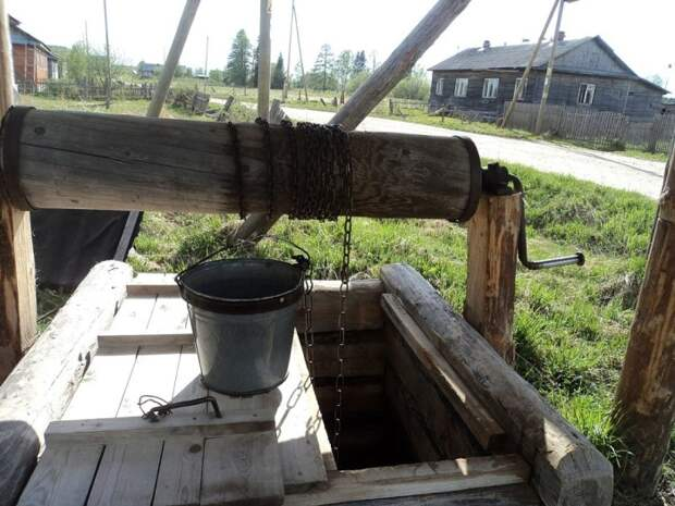 Если от воды идет неприятный запах, нужно понять, что именно является его источником / Фото: reconomica.ru