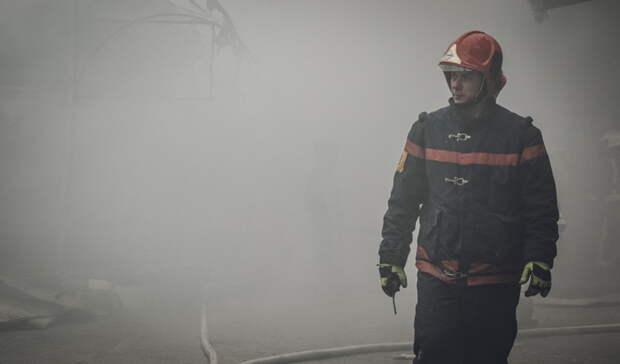 На ночном пожаре в Матвеевском районе пострадали три человека