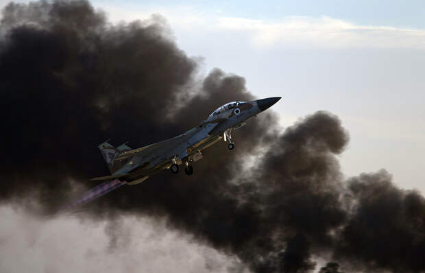 СРОЧНО: Страшный удар посектору Газа, рухнула многоэтажка (ФОТО, ВИДЕО)