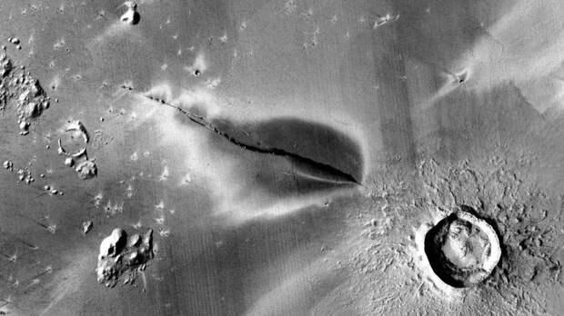"""На Марсе """"недавно"""" могли быть действующие вулканы"""
