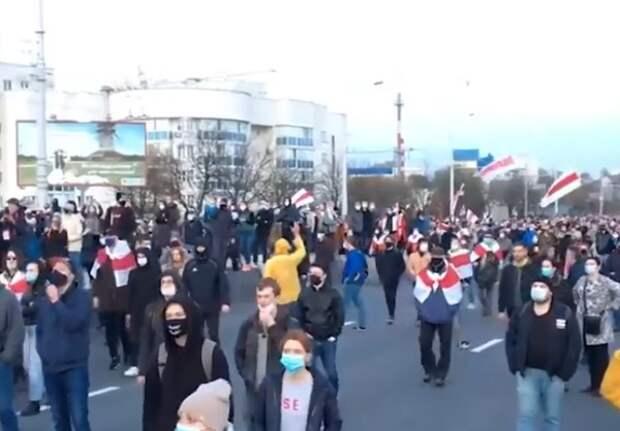 """Лукашенко рассказал о """"проплаченном ядре"""" бастующих и """"обезумевшей толпе"""" в Минске"""