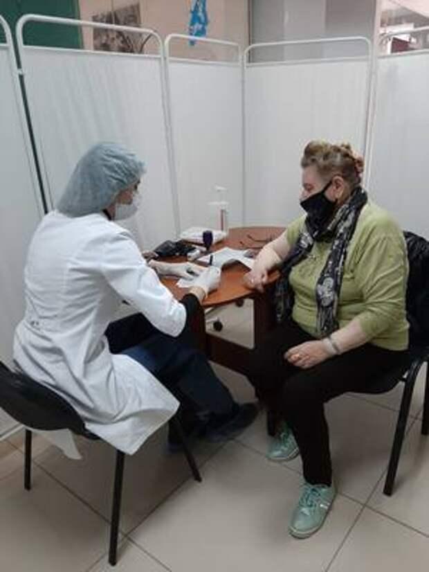 В зеленодольском торговом центре «Мирный» открылся центр вакцинации от коронавируса
