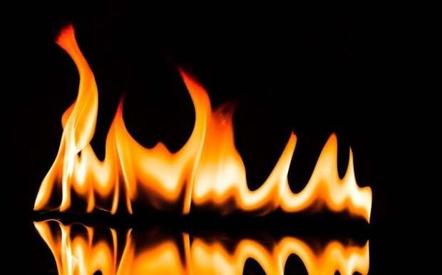Четырех человек спасли пожарные в Ижевске