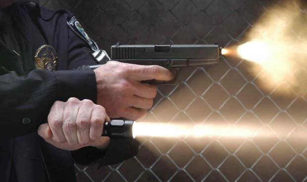Как правильно использовать тактический фонарь