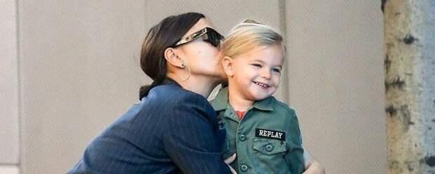 Ирина Шейк впервые опубликовала фото с дочкой