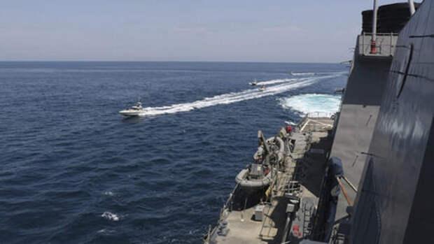 Иран попытался атаковать атомную подводную лодку США силами москитного флота КСИР