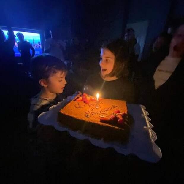 Игорь Верник, Александр Цыпкин, Снежана Георгиева и другие на дне рождения Резо Гигинеишвили