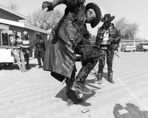 Жара, Африка, Дэт-метал: фоторепортаж с фестиваля металюг в Ботсване