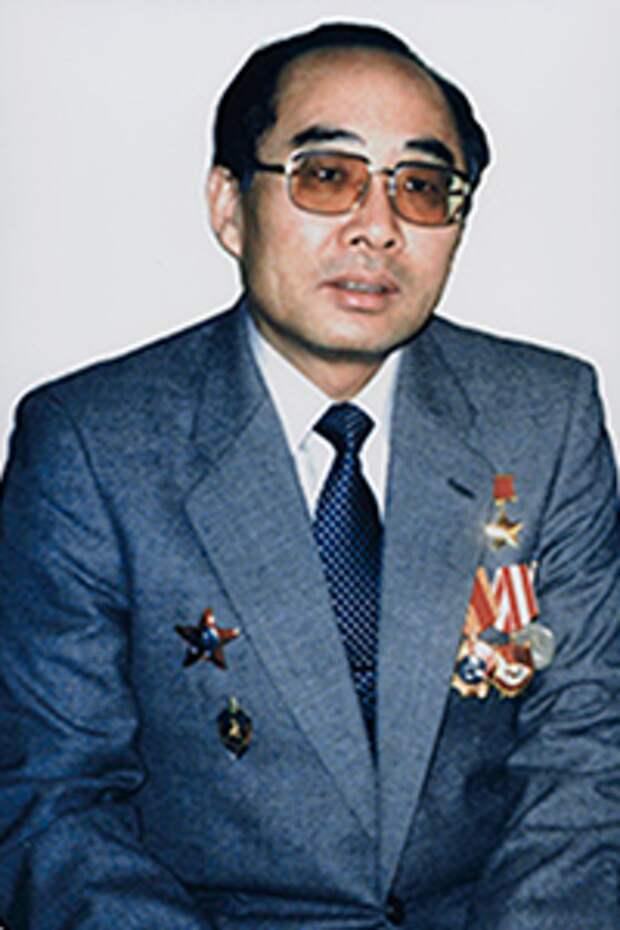 7 лучших агентов КГБ, годами тайно работавших по всему миру