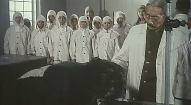 Деконструкция. Алексей Водовозов о фильме «Человек за солнцем» (1988)