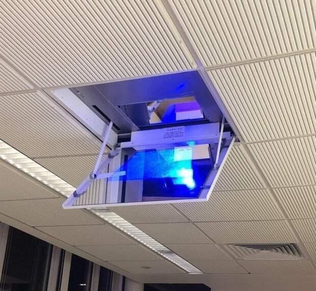 10. В этой школе используют зеркальный проектор, выдвигаемый прямо из потолка в мире, гениально, изобретения, на заметку, удобно, хитрости
