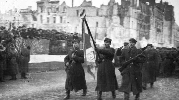 """Четыре дня на """"Крепость Варшава"""": как была освобождена столица Польши"""