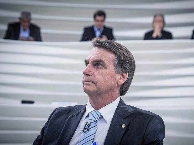 Бразильские сенаторы одобрили обвинения против президента Болсонару