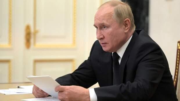 Песков указал на попытки недругов нарисовать абсурдный образ Путина