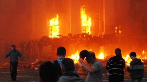 Азаров: в Одессе 2 мая погибло почти 400 человек