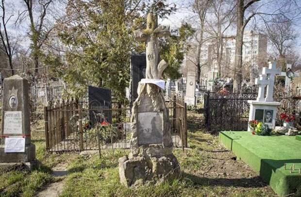На Радоницу все столичные кладбища будут закрыты
