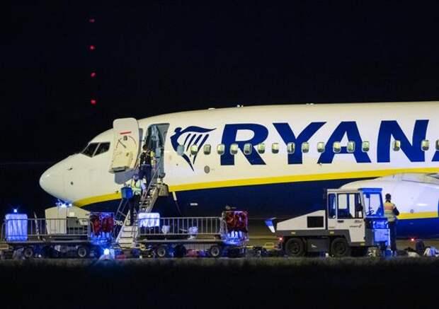 Захарова с иронией отреагировала на информацию об экстренной посадке  самолёта Ryanair в Берлине