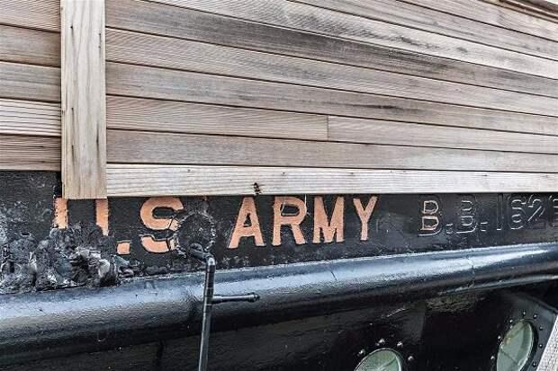 Бывшее судно ВМС США превратили в плавучий дом «Злой глаз» стоимостью 800 000 долларов