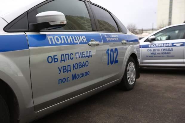 Четыре человека пострадали после наезда ВАЗа на Волгоградском проспекте