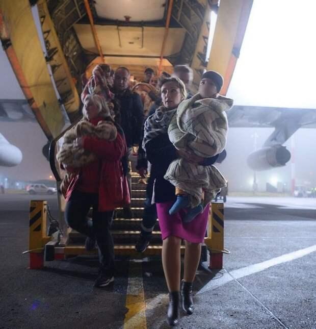 Еще более 30 российских детей вернули в Москву из иракских тюрем