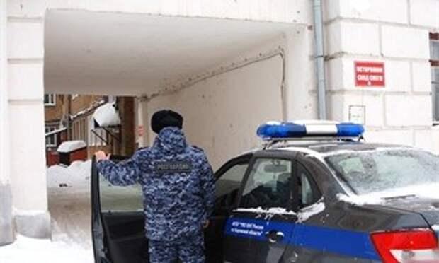 Гости в кировском отеле оказались скандальными и разбили телевизор