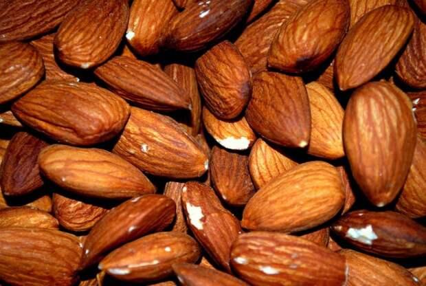 Самые полезные из орехов и семечек
